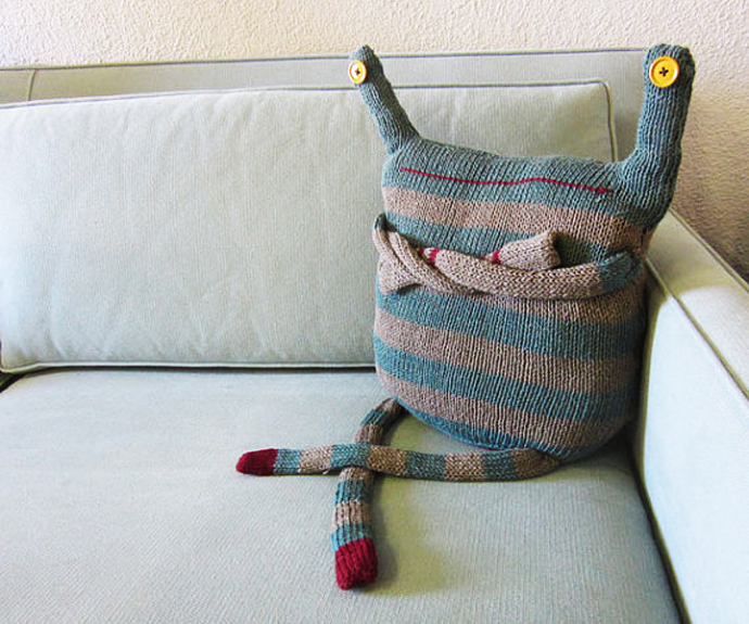 Вязаная подушка своими руками