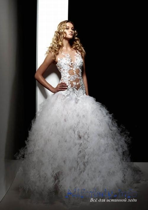 Очень шикарно и оригинально смотрятся длинные свадебные платья со шлейфом. К счастью в настоящее время появились модели с отстёгивающимся шлейфом