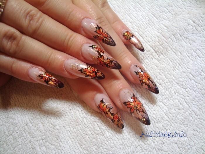 Дизайн ногтей золото осени с
