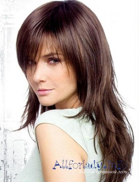 Объемные стрижки на средние волосы круглое лицо