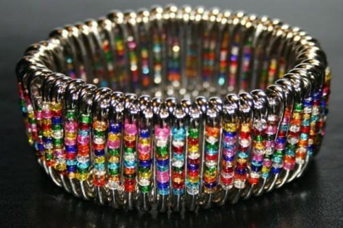 Кольцо и браслет из булавок